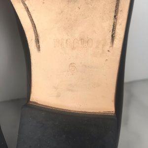 Nisolo Shoes - Nisolo Black Leather Smoking Shoe Size 6